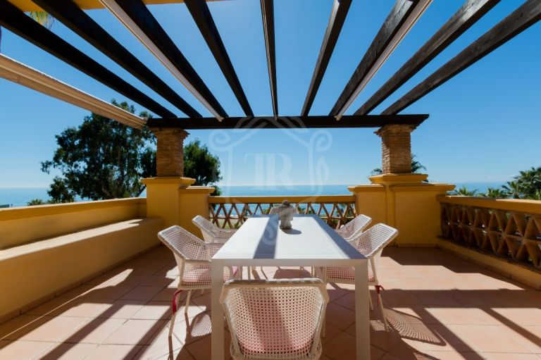 FRONT LINE BEACH APARTMENT MARBELLA