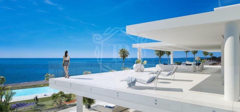 Solo 28 grandes residencias de 3 y 4 habitaciones en primera línea del mar Mediterráneo.