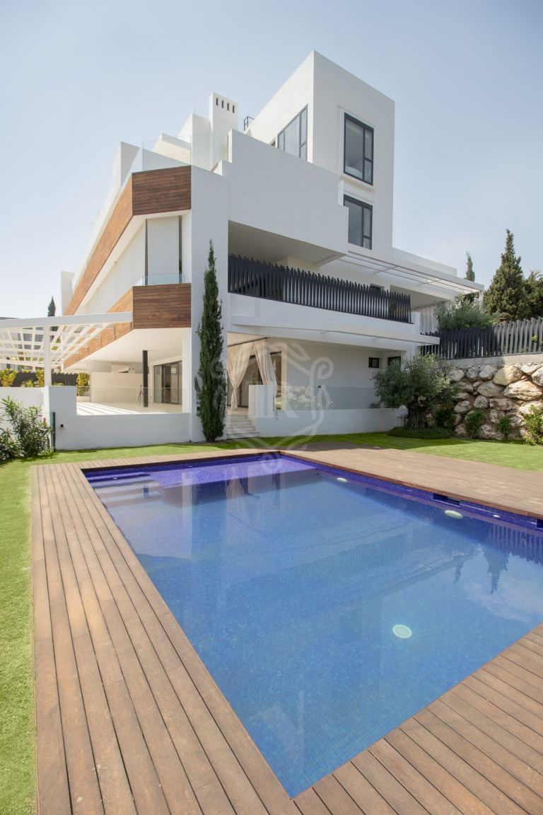 8 Luxury apartments with own private pool - The Golden Mile, Marbella