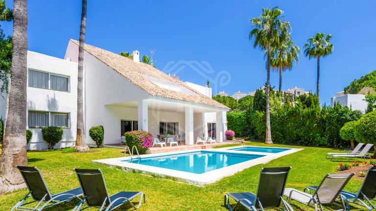 Villa for rent in beachfront complex Villa Marina - Puerto Banús