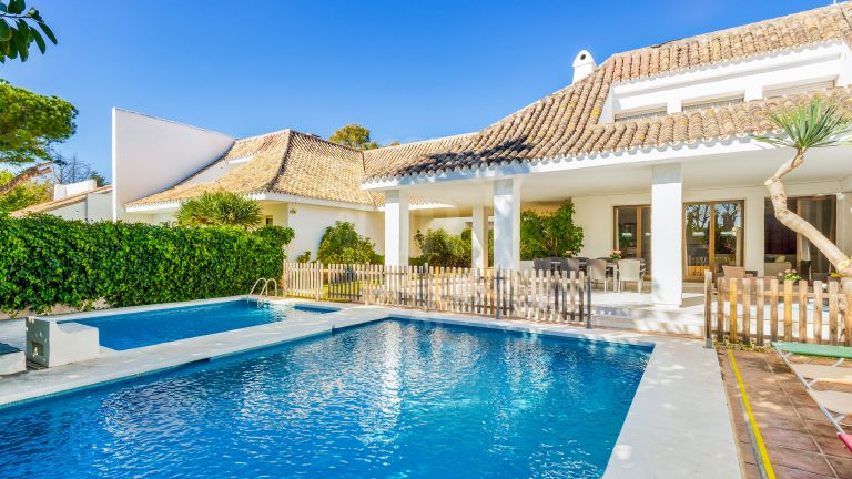 Villa for rent in Villa Marina, Puerto Banús