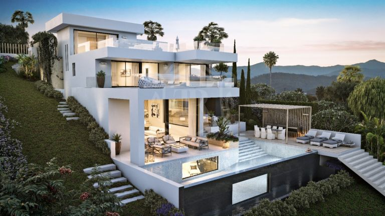 Plot with new villa project in Aloha Golf, Nueva Andalucia