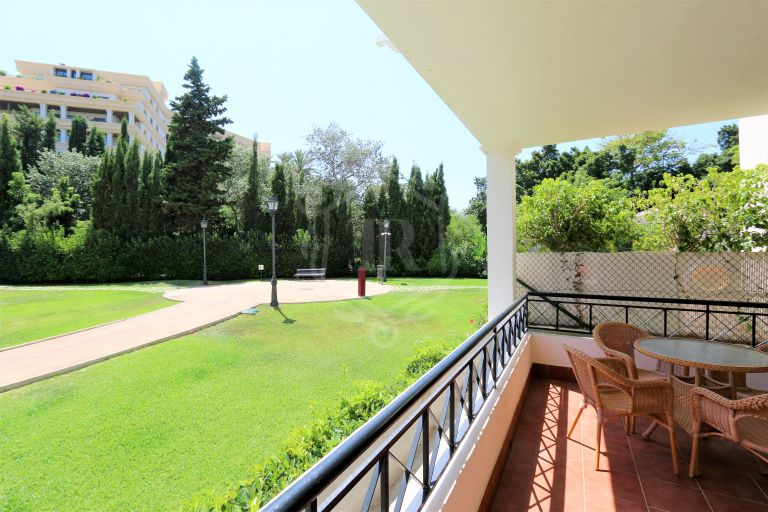 Apartment 2 bedrooms, 2 bathrooms in River Garden, Nueva Andalucia