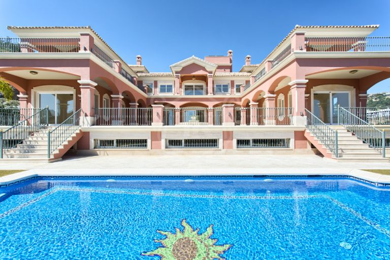 New build villa in Los Arqueros Golf, Benahavís