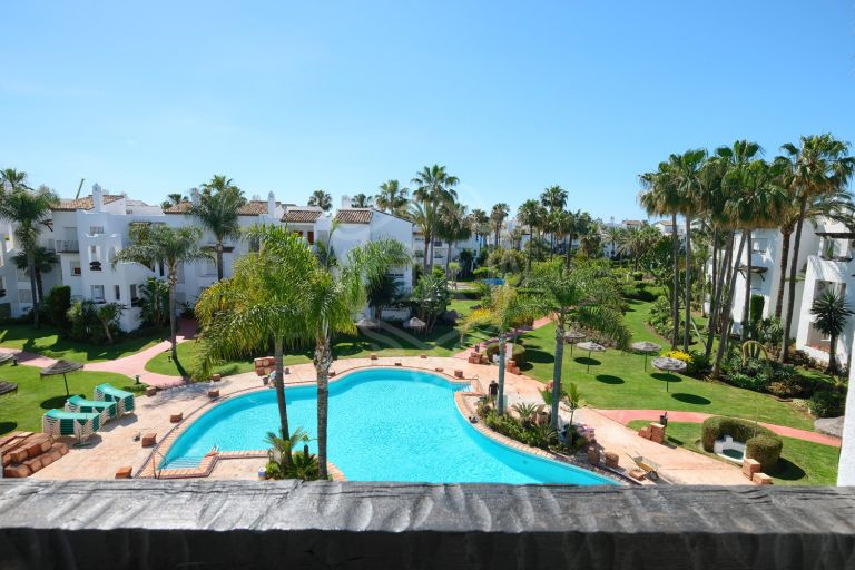 Apartment in Costalita, New Golden Mile, Estepona