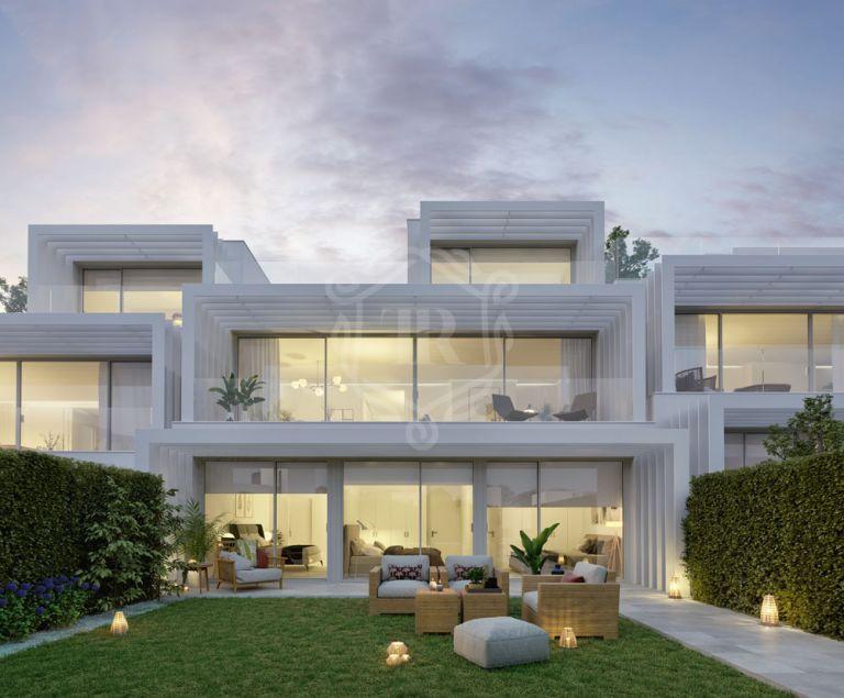 Stylish luxury front line golf villa in Sotogrande