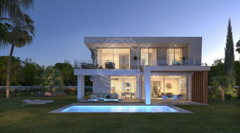 Modern villa in Santa Clara Golf, Marbella East