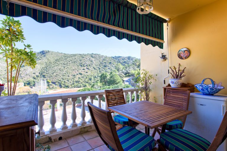 Fantastic townhouse in the heart of Benahavis, walking distance to amenities