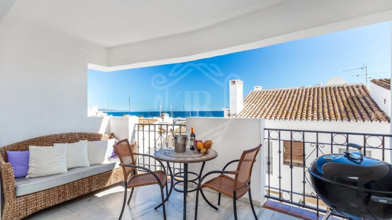 Just renovated contemporary apartment second line the Marina of Puerto Banus