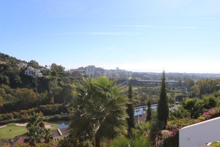 Apartamento en primera línea de golf con vistas panorámicas