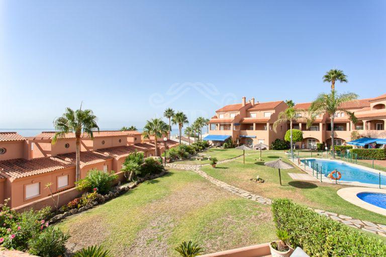 Duplex penthouse with sea views in Playa Azul, Estepona