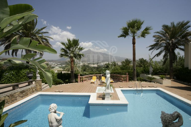 DREAM MANSION IN MARBELLA - NUEVA ANDALUCIA