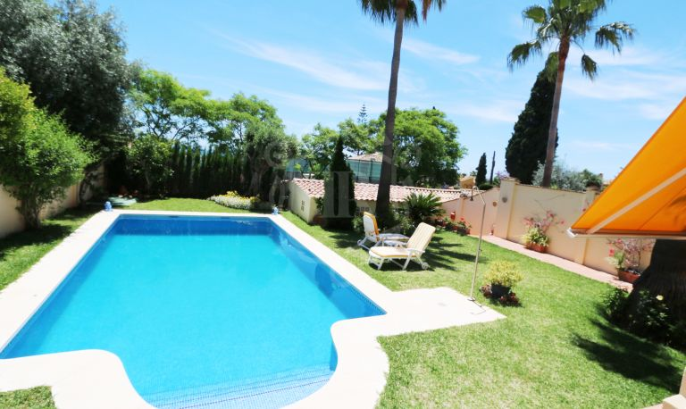 5 BEDROOMS SEMI DETACHED VILLA WITH SEA VIEWS IN LA MILLA DE ORO DE MARBELLA