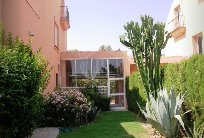BEAUTIFUL 4 BEDROOMS CHALET IN ATALAYA ESTEPONA