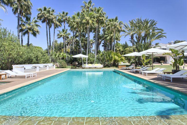 Luxury Cortijo-Style Mansion in Guadalmina Baja