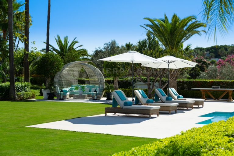 Extraordinary Frontline Golf Villa in Las Brisas, Nueva Andalucía