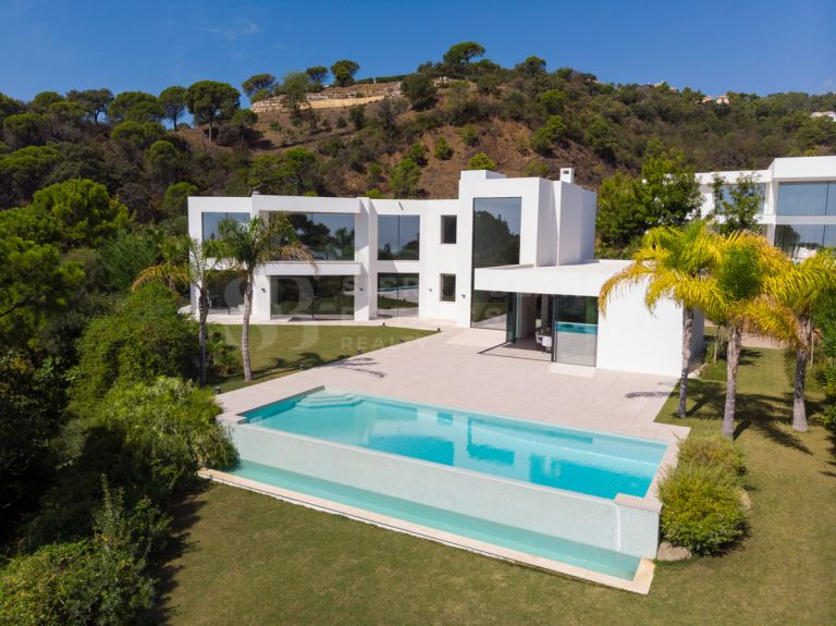 Contemporary Bliss in El Madroñal!
