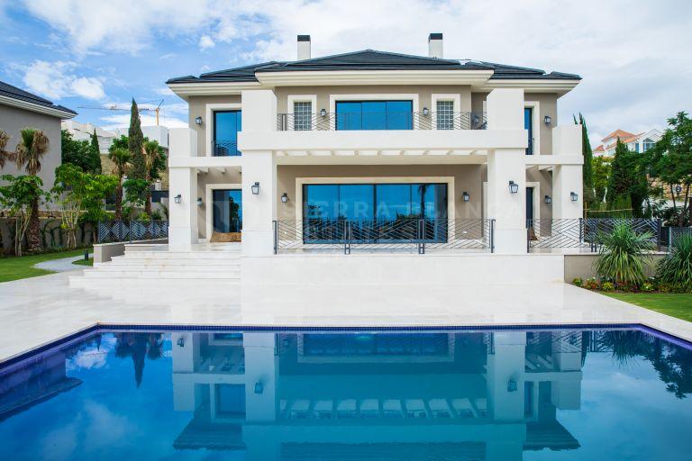 Impresionante Villa de Nueva Construcción en Los Flamingos
