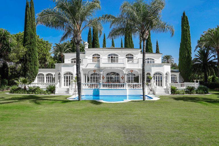 Elegante villa en El Paraiso