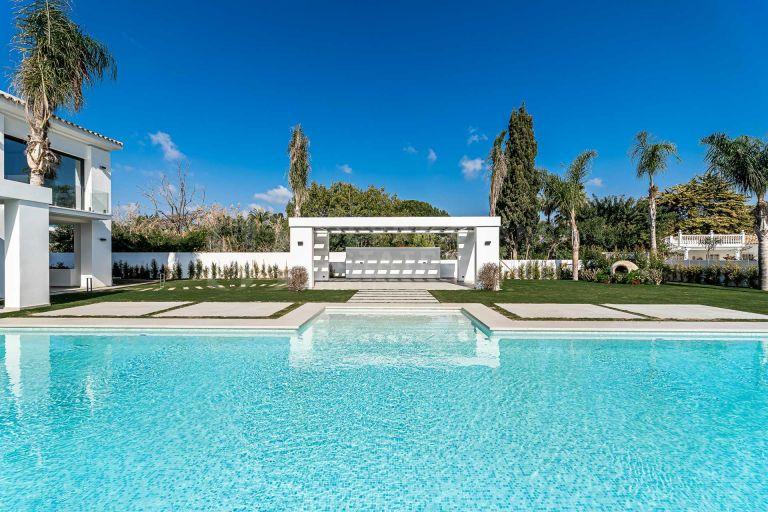 Villa neuve et moderne à Casasola