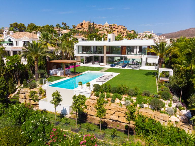 A Remarkable Contemporary Villa with Sea Views in Nueva Andalucia