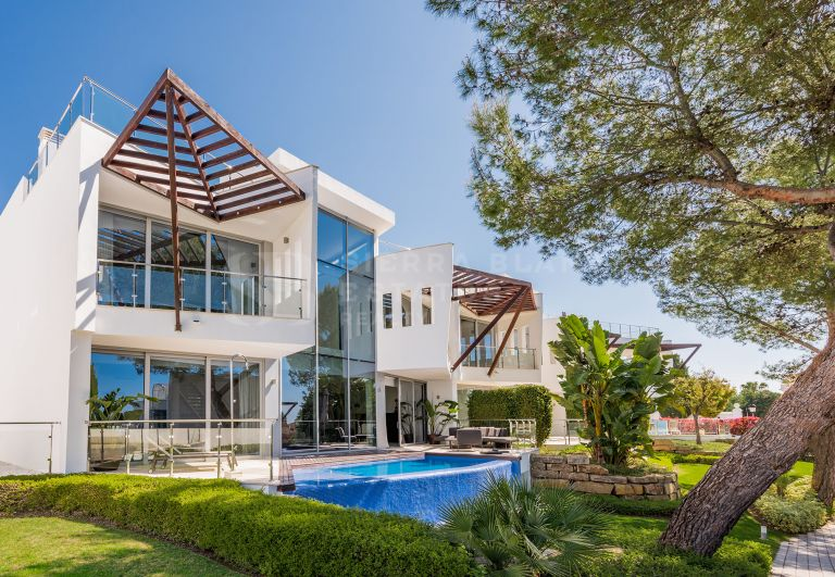 Luxurious semi-detached villa in Sierra Blanca