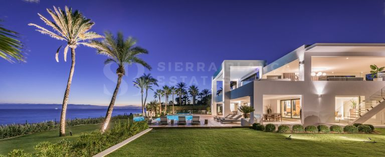 Villa design en bord de mer sur le New Golden Mile