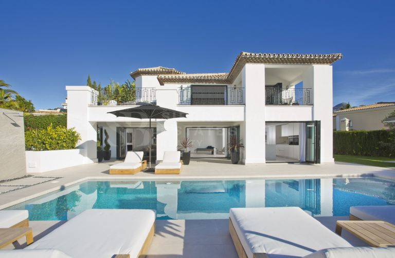 Classic and Modern Villa in Nueva Andalucia