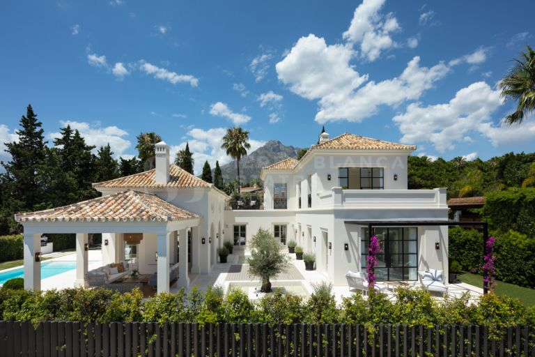Elegant Resort-Style Villa in Nagüeles