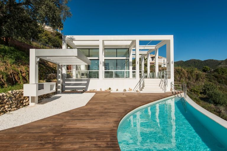 Villa Contemporánea con Vistas Abiertas en Monte Mayor