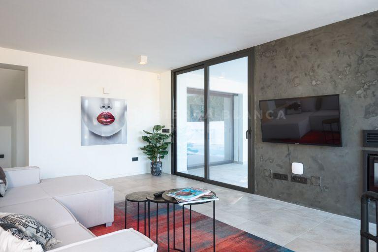 Villa entièrement rénovée à Nueva Andalucia