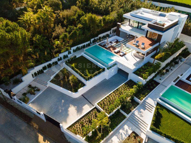 Villa Contemporaine avec Vue Panoramique sur les Montagnes