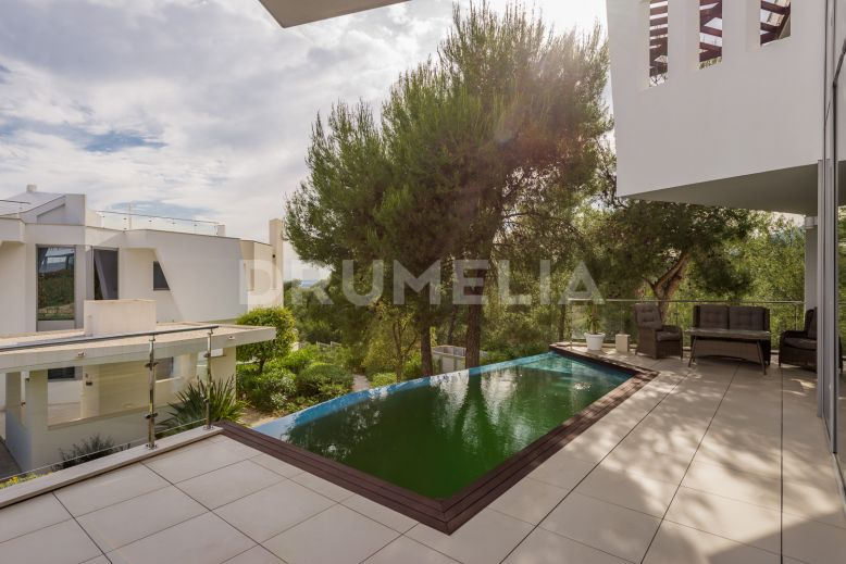 Marbella Golden Mile, Unusual Semi-Detached Contemporary Style House, Sierra Blanca