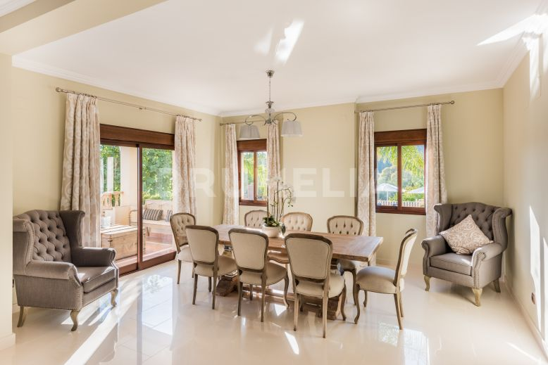 Marbella Golden Mile, Magnificent Luxurious Villa in Los Picos de Nagüeles, Marbella Golden Mile