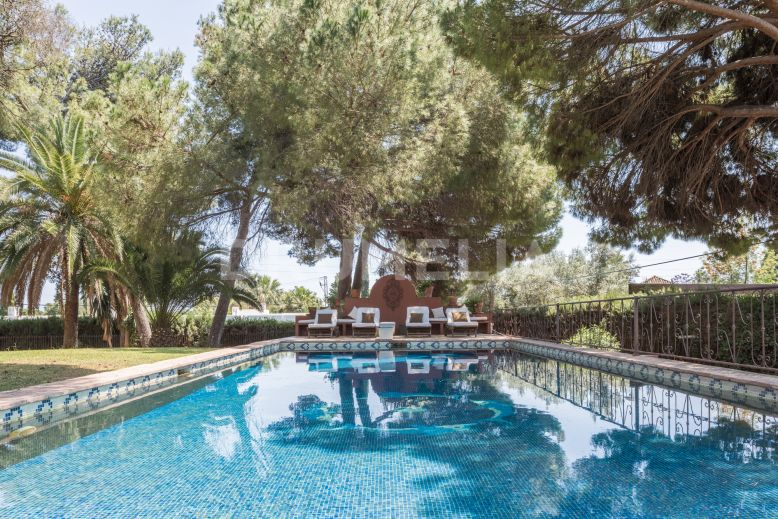 Marbella Golden Mile, Marvellous Family Villa with Impressive Plot, Nagueles, Golden Mile