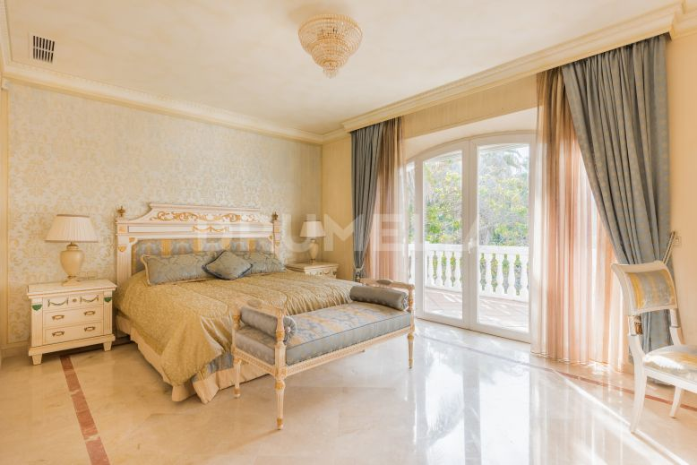 Marbella Golden Mile, Majestic Elegant Villa in Nagüeles, Marbella Golden Mile