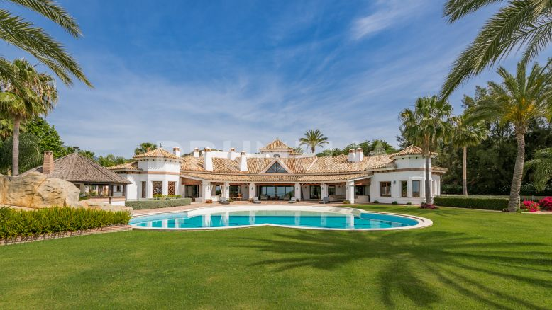 Benahavis, Imposing Luxury Villa with Special Atmosphere, Vega del Colorado, Benahavis