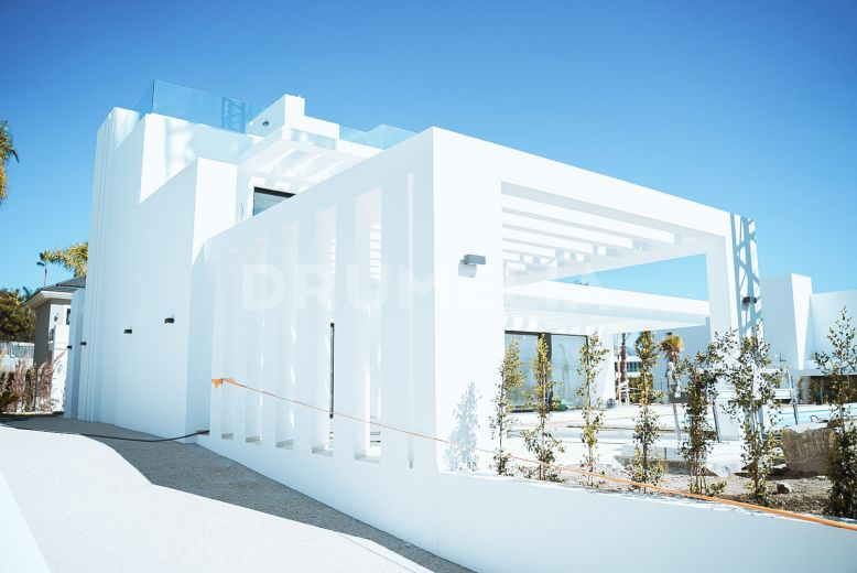 Benahavis, Superb Contemporary Style Luxury Villa, Los Flamingos Resort, Benahavis