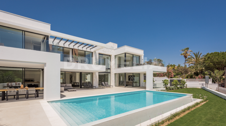 Marbella East, Sophisticated, Contemporary Style Luxury Villa, Marbesa, Marbella East
