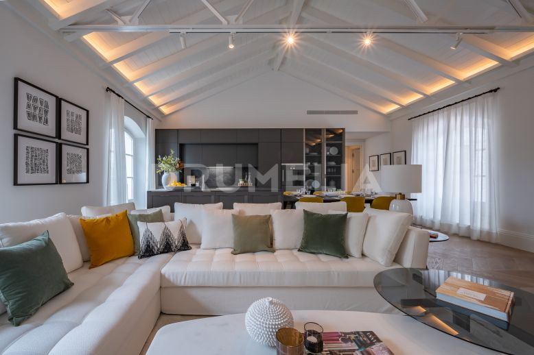 Marbella Golden Mile, Outstanding Renovated Luxury Penthouse for Ultimate Lifestyle on Marbella Golden Mile