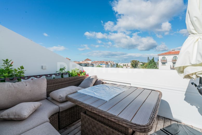 Nueva Andalucia, Spacious Renovated Triplex Penthouse Next to Casino, Puerto Banús