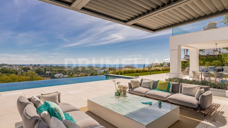 Benahavis, New Elite Frontline Golf Contemporary Villa in Los Flamingos