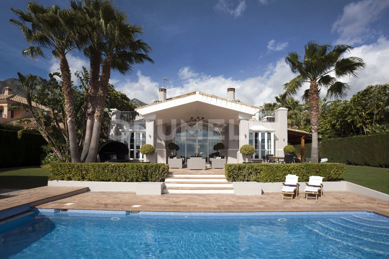 Marbella Golden Mile,     High-end Glamorous Villa with Panoramic Views in the Hills of Sierra Blanca
