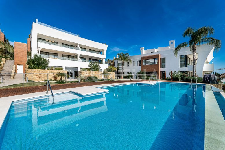 Marbella Golden Mile, Elegant Ground Floor Luxury Duplex in Reserva de Sierra Blanca, Marbella.