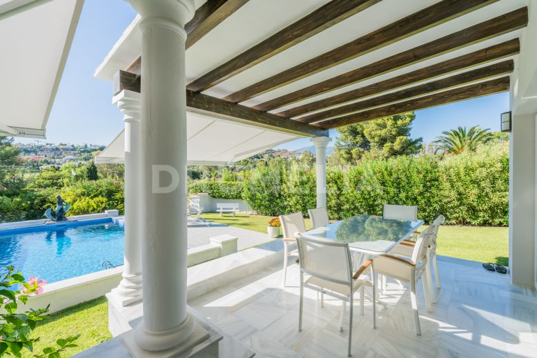 Estepona, Charming Andalusian Villa in Well-Established Paraiso Medio, Estepona