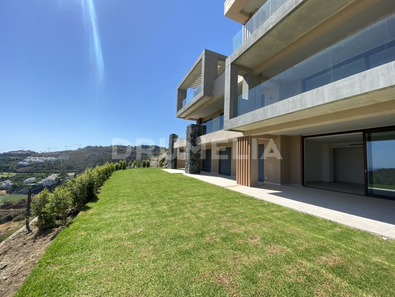 Benahavis, Garden Apartment South Facing With Panoramic Sea Views