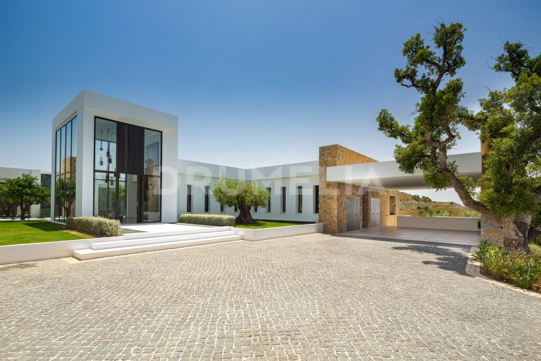 Benahavis, Modern Mansion built on one level,  for Sale in Marbella Club Golf Resort