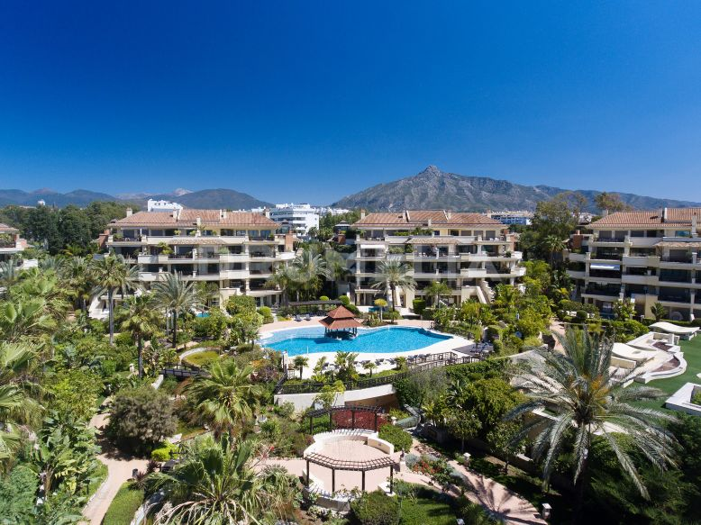 Ground Floor Duplex  till salu i  Laguna de Banus - Marbella - Puerto Banus Ground Floor Duplex