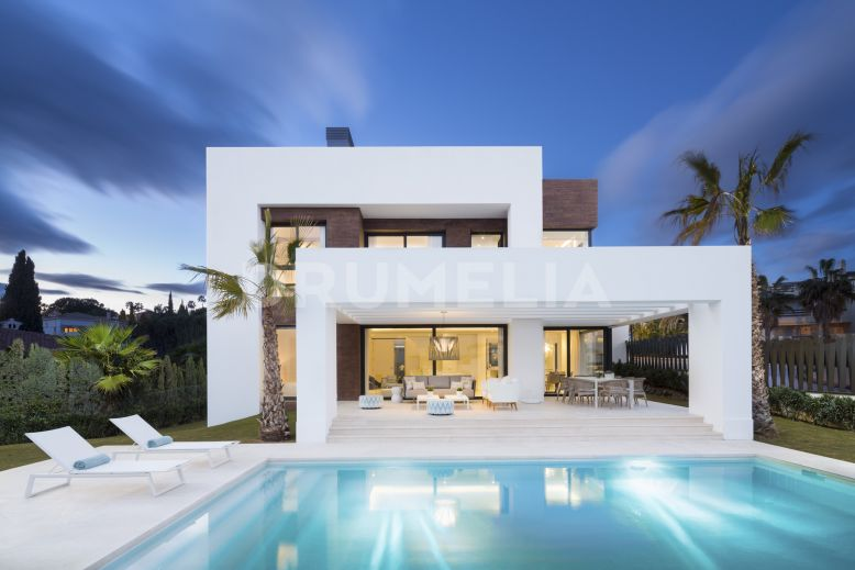 Estepona, Superb High-End Designer Villa, Los Olivos del Paraiso, New Golden Mile