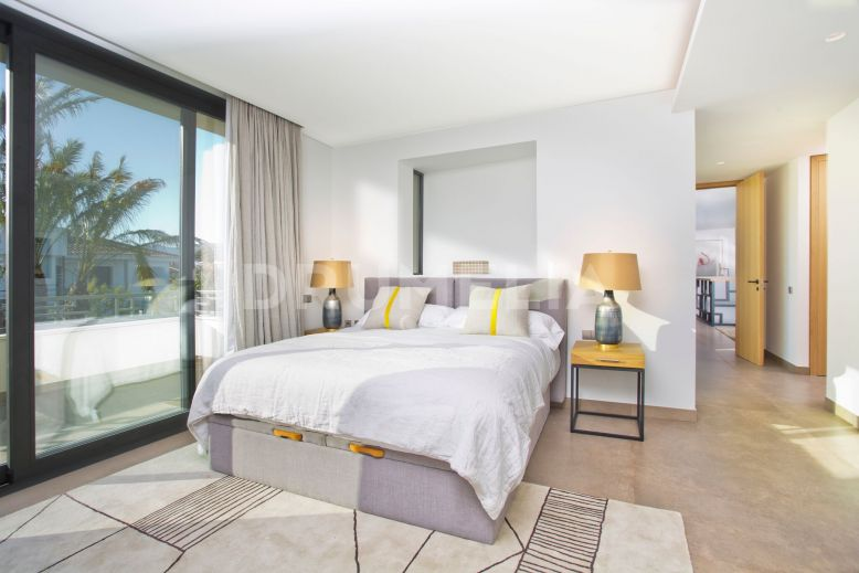 Estepona, Brand New Beachside Villa in Casasola, Estepona